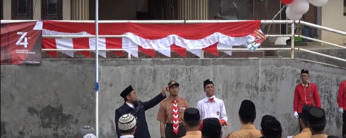 upacara alumm